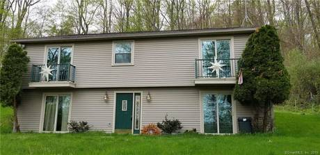 Single Family Home Sold in Newtown CT 06470. Ranch house near waterfront.