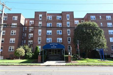 Condo Home For Rent in Stamford CT 06902.  house near beach side waterfront.
