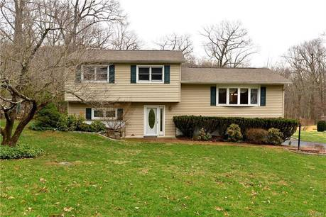Single Family Home Sold in Danbury CT 06811.  house near waterfront with 2 car garage.