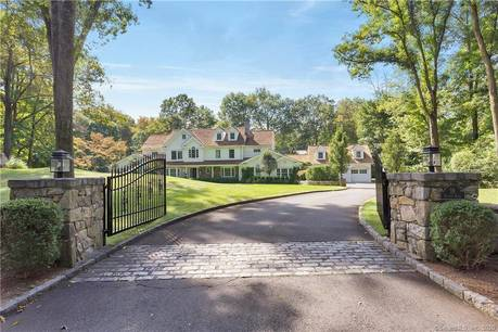 Luxury Mansion Sold in Greenwich CT 06830. Big colonial house near waterfront with swimming pool and 3 car garage.
