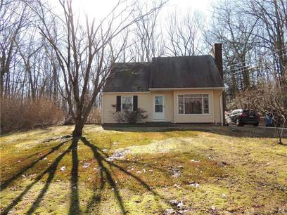 Single Family Home Sold in Monroe CT 06468.  cape cod house near waterfront.