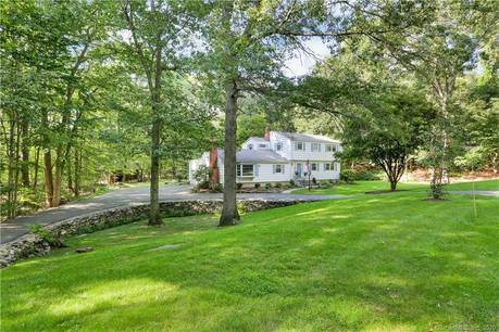 Single Family Home Sold in Fairfield CT 06825. Colonial house near beach side waterfront with 2 car garage.