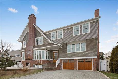 Luxury Single Family Home Sold in Norwalk CT 06853. Colonial house near beach side waterfront with swimming pool and 2 car garage.