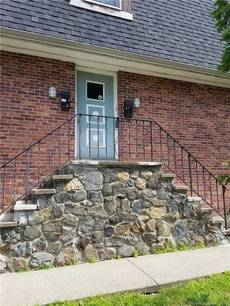 Condo Home Sold in Danbury CT 06810. Ranch house near waterfront.