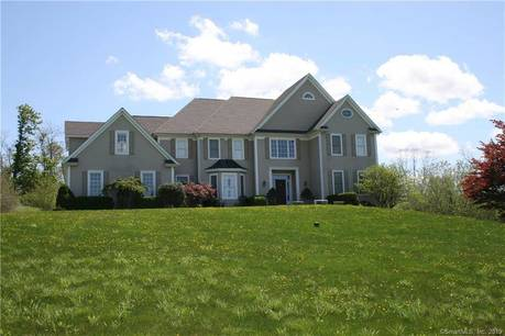 Single Family Home Sold in New Fairfield CT 06812. Colonial house near lake side waterfront with 3 car garage.