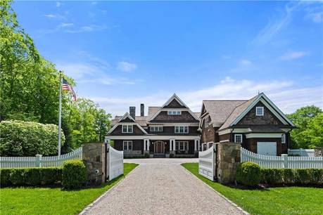 Luxury Mansion Sold in Ridgefield CT 06877. Big colonial house near waterfront with swimming pool and 3 car garage.