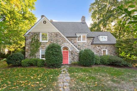 Single Family Home For Rent in Westport CT 06880. Old antique, tudor house near beach side waterfront with 1 car garage.