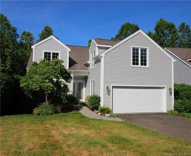 Condo Home For Sale in Brookfield CT 06804.  townhouse near waterfront with swimming pool and 2 car garage.