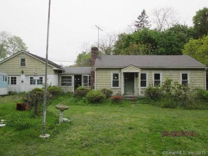 Foreclosure: Single Family Home Sold in Greenwich CT 06831. Ranch house near waterfront.