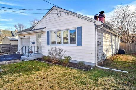 Single Family Home Sold in Stratford CT 06615. Ranch house near beach side waterfront with 1 car garage.