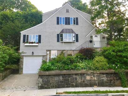 Single Family Home Sold in Norwalk CT 06854. Old colonial house near beach side waterfront with 1 car garage.