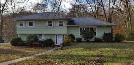 Foreclosure: Single Family Home Sold in Shelton CT 06484.  house near waterfront with swimming pool and 1 car garage.