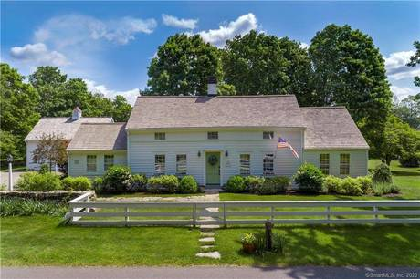 Single Family Home Sold in Ridgefield CT 06877. Old colonial, antique house near waterfront with 4 car garage.