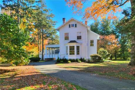 Single Family Home Sold in Fairfield CT 06824. Old colonial, antique house near beach side waterfront with 2 car garage.