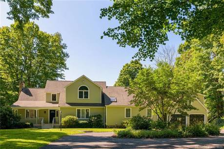 Single Family Home Sold in Newtown CT 06470. Contemporary cape cod house near waterfront with swimming pool and 2 car garage.