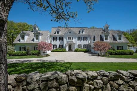 Mansion Sold in Ridgefield CT 06877. Big colonial house near waterfront with swimming pool and 4 car garage.