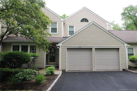Foreclosure: Condo Home Sold in Trumbull CT 06611. Ranch house near waterfront with 2 car garage.