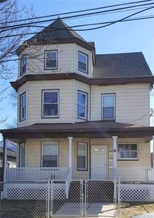 Multi Family Home Sold in Stamford CT 06902. Old  house near waterfront with 2 car garage.