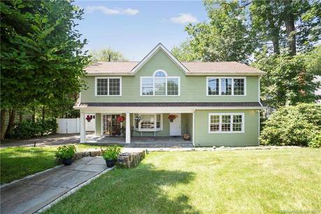 Single Family Home Sold in Greenwich CT 06807. Colonial house near waterfront with 1 car garage.