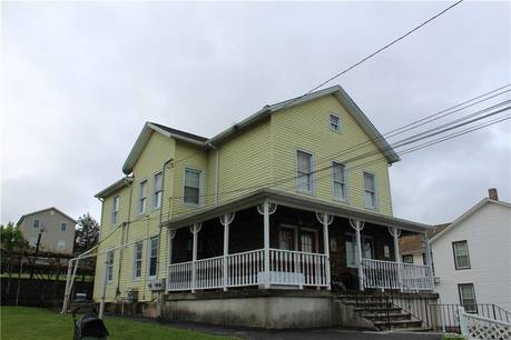 Multi Family Home Sold in Danbury CT 06810. Old  house near waterfront with 1 car garage.