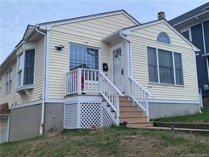 Single Family Home For Rent in Bridgeport CT 06606. Ranch house near waterfront.
