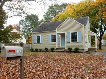 Single Family Home For Rent in Fairfield CT 06890.  cape cod house near beach side waterfront.