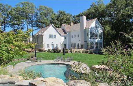 Luxury Single Family Home Sold in New Canaan CT 06840. Colonial house near waterfront with swimming pool and 3 car garage.