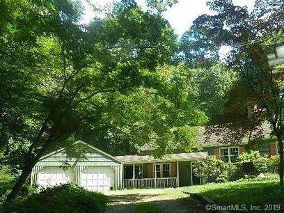 Foreclosure: Single Family Home Sold in Weston CT 06883.  cape cod house near waterfront with 2 car garage.