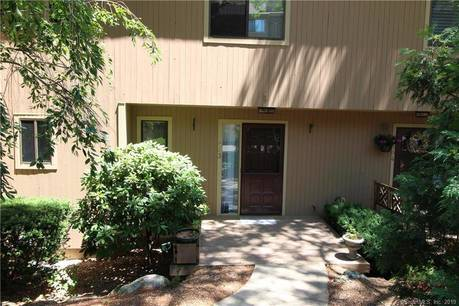 Condo Home Sold in Greenwich CT 06831.  townhouse near beach side waterfront with 1 car garage.
