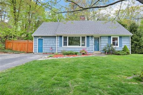 Single Family Home Sold in Stamford CT 06902.  cape cod house near beach side waterfront.