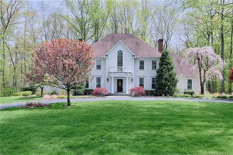 Single Family Home Sold in Fairfield CT 06824. Colonial house near beach side waterfront with 3 car garage.