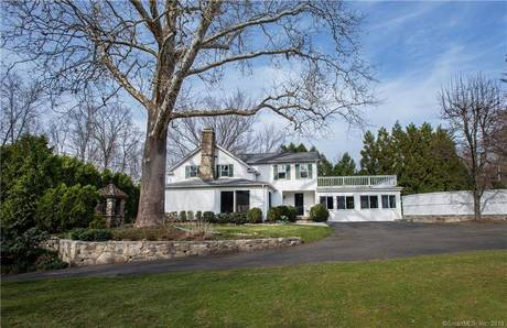 Single Family Home Sold in Darien CT 06820. Old colonial house near waterfront.