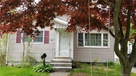 Short Sale: Single Family Home Sold in Bridgeport CT 06606. Ranch house near waterfront with swimming pool.
