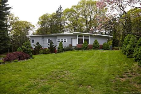 Single Family Home Sold in Fairfield CT 06825. Contemporary, ranch house near beach side waterfront with 2 car garage.