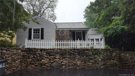 Single Family Home Sold in Stamford CT 06905. Old ranch house near waterfront with swimming pool.