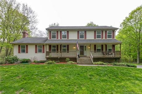 Single Family Home Sold in Shelton CT 06484. Colonial house near waterfront with 2 car garage.