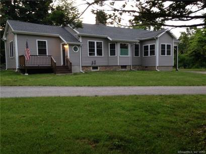 Short Sale: Single Family Home Sold in Trumbull CT 06611. Old ranch house near waterfront with 2 car garage.