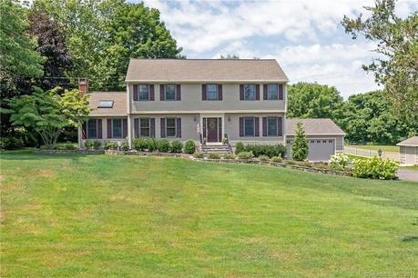 Single Family Home Sold in Shelton CT 06484. Colonial house near lake side waterfront with 4 car garage.
