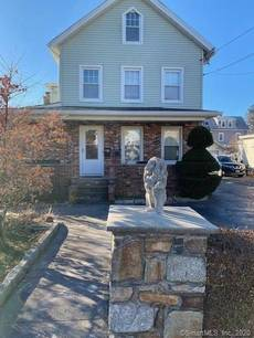 Multi Family Home For Rent in Norwalk CT 06855. Old colonial house near waterfront with 1 car garage.