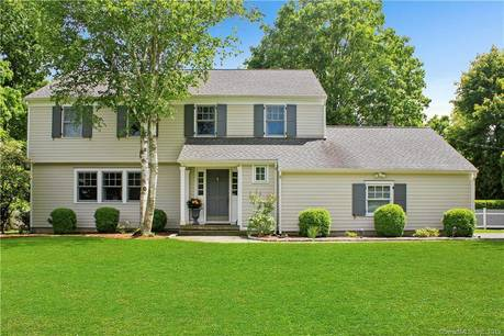 Single Family Home Sold in Darien CT 06820. Colonial house near waterfront with 2 car garage.