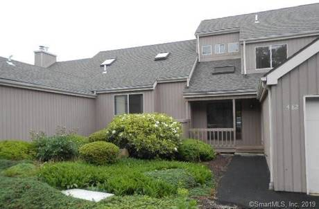 Foreclosure: Condo Home Sold in Shelton CT 06484.  townhouse near waterfront with swimming pool and 1 car garage.
