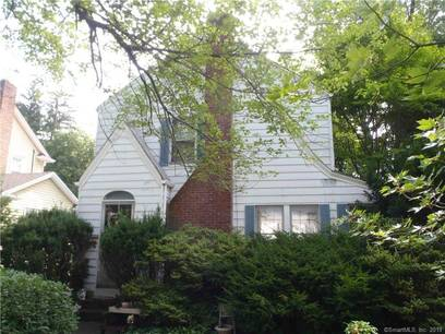 Single Family Home Sold in Stamford CT 06906. Old colonial house near waterfront with 1 car garage.