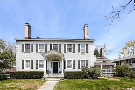 Condo Home Sold in Greenwich CT 06807. Old  townhouse near beach side waterfront with 2 car garage.