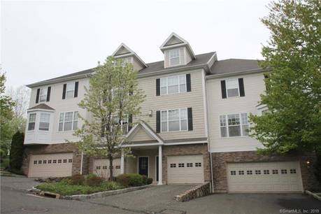 Condo Home Sold in Danbury CT 06810.  townhouse near waterfront with swimming pool and 1 car garage.