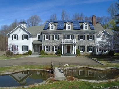 Foreclosure: Mansion Sold in Stamford CT 06903. Big colonial house near waterfront with swimming pool and 3 car garage.
