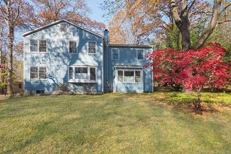 Single Family Home Sold in Danbury CT 06810. Contemporary, colonial house near beach side waterfront.