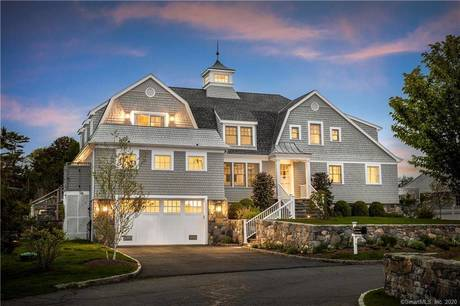 Luxury Single Family Home Sold in Norwalk CT 06853. Contemporary house near beach side waterfront with 1 car garage.