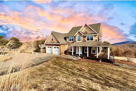 Single Family Home For Sale in Sherman CT 06784. Colonial farm house near waterfront with 2 car garage.