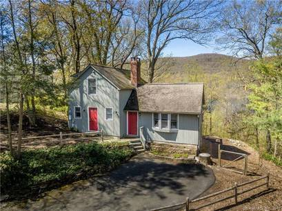 Single Family Home Sold in New Fairfield CT 06812. Contemporary house near lake side waterfront.