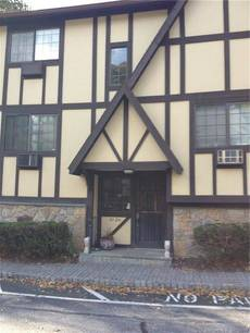 Condo Home Rented in Norwalk CT 06851. Ranch house near waterfront with swimming pool.